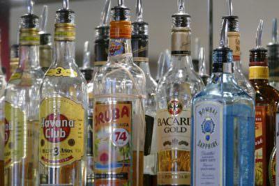 ジン、ウォッカ、ラムなど蒸留酒