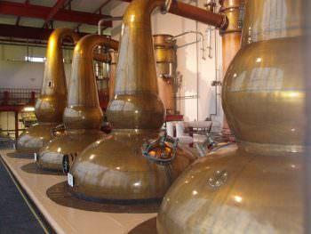 単式蒸留に用いる単式蒸留器(ポットスチル)