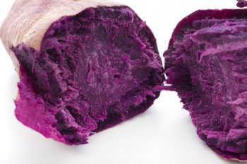 身が紫色のムラサキマサリ