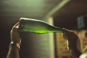 ワインボトルに溜まった澱