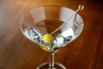 ジンを使用した代表的なカクテル・マティーニ