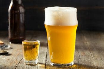 ウイスキーとチェイサーのビール