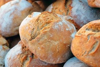 小麦やライ麦はパンの原料としても貴重