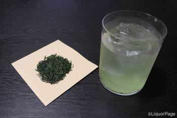 水出しの緑茶と玉露の茶葉