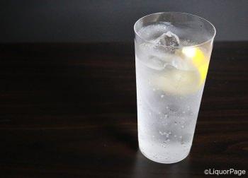 焼酎のソーダ割り(レモン入り)