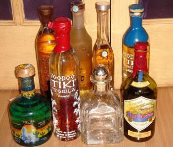 ユニークな形状をしたテキーラのボトルたち