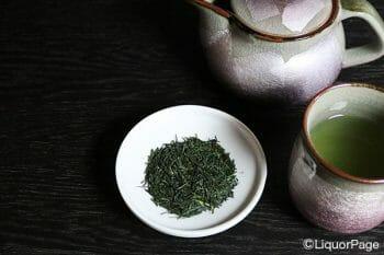 ジャパニーズクラフトジンでは茶葉が使用されることも少なくない