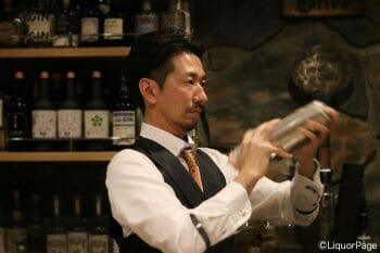 江刺さんが作るパローマはシェイクするが、本来は各材料を混ぜるだけで良いという。