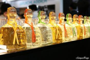 パトロンの写真。テキーラの華やかさを象徴するブランドでもある。