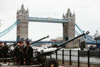 ブランド名は21回の皇礼砲「ローヤルサルート」の名を冠している