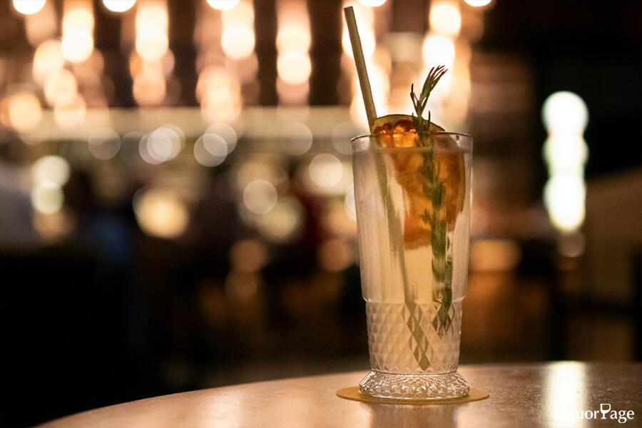テキーラの定番カクテルでもあるパロマ、柑橘の爽快感にハーバルさも加わり、より芳香性が高く繊細な味わいにアップグレードされた印象