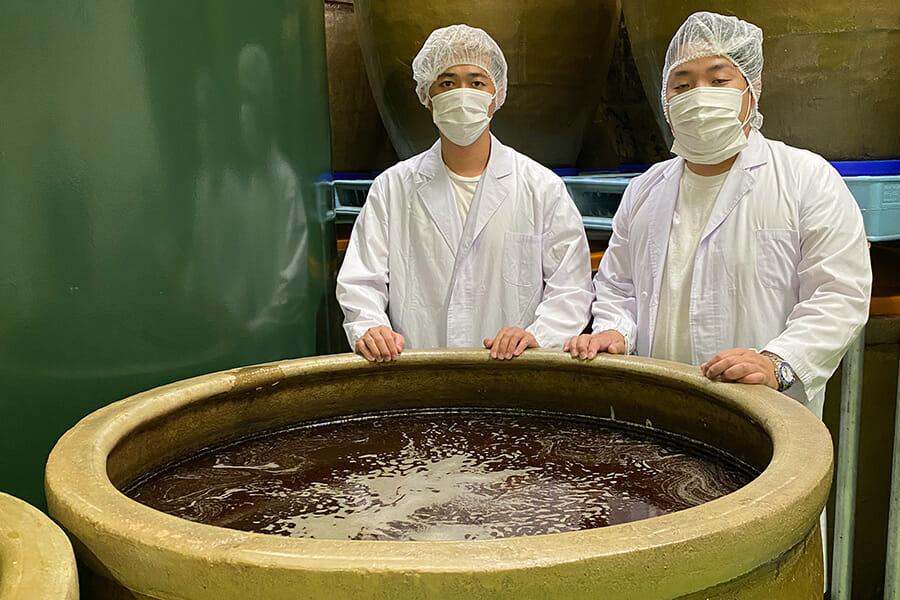 FarEastCraftの代表・前田さん(左)と越後薬草の代表・塚田さん