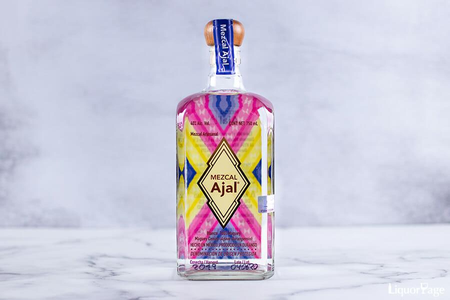 """ボトルのデザインはメキシコの伝統織物""""サラぺ""""をモチーフにしている"""