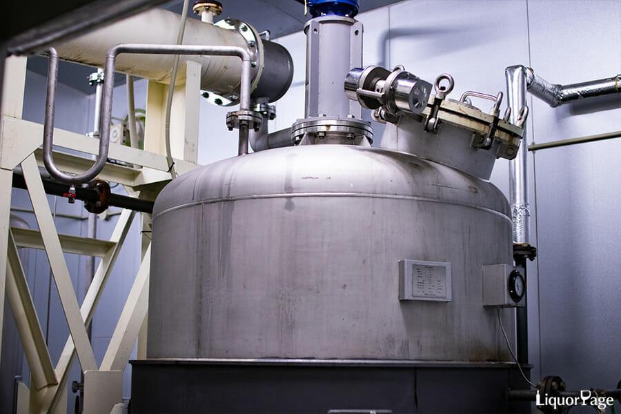 YASO GINにも使われる減圧式の蒸溜器